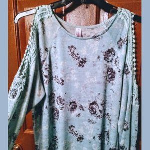 Minty Blue Lacey Sleeve Tunic Top